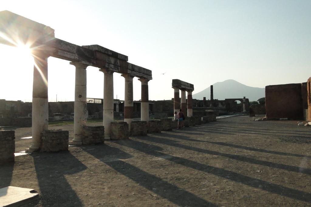 Pompeje w cieniu Wezuwiusza